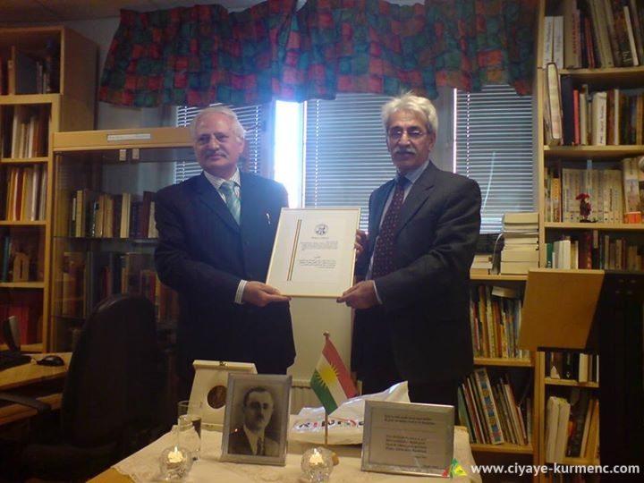 Heyder Omer xelata Osman Sebrî dide dostê Kurdan Dr. Muzêr El-Fedil/Stockholm 2009