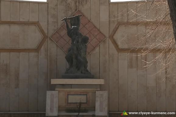 تمثال حريق سينما عامودا