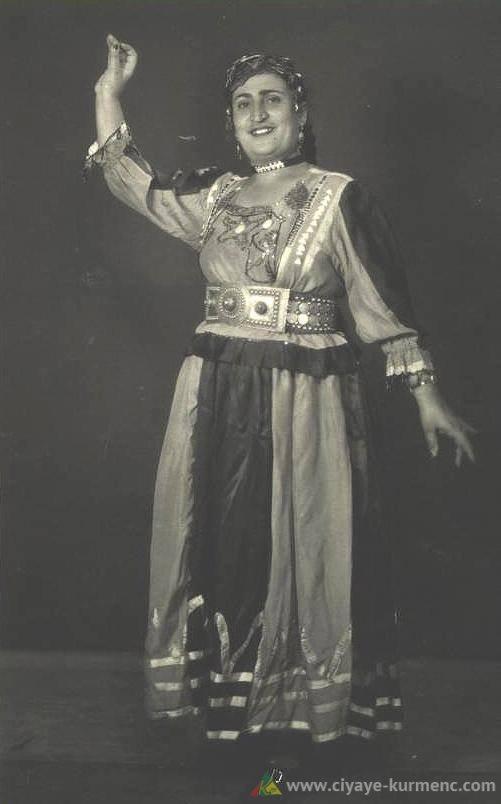 سوسكا سمو أول مغنية كوردية في مسارح الاتحاد السوفيتي