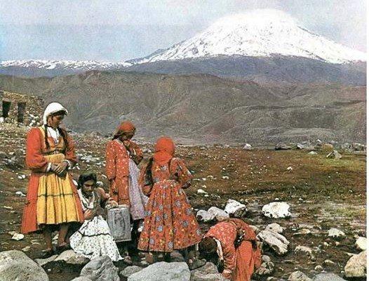 صورة نساء آكري-كوردستان تركيا
